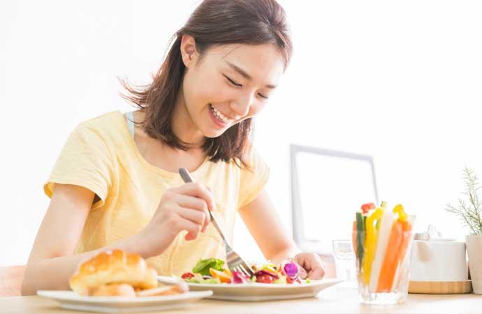 身近な食べ物でシミの原因メラニン色素を抑える
