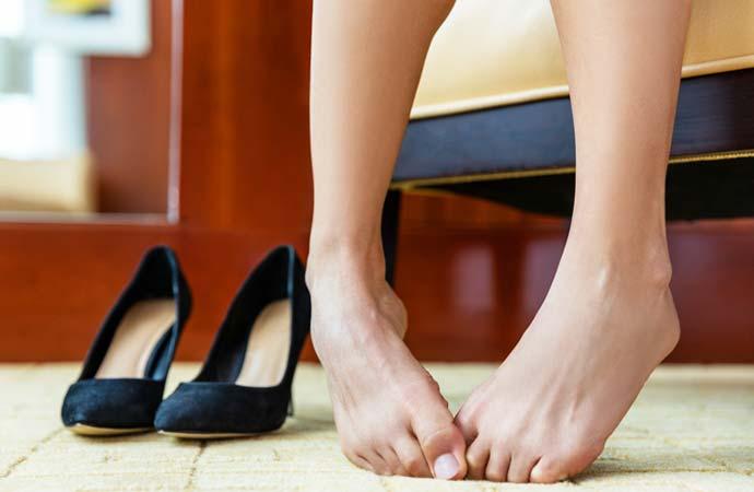 一時的な足のむくみ