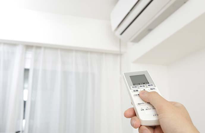 エアコンの温度を調整する