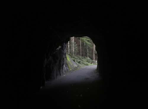 楯岩トンネル内